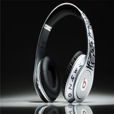 Beats Studio Headphones Graffiti White With Diamond Edition