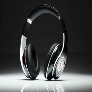 Beats By Dre Studio NFL Edition Headphones New England Patriots With the Diamond